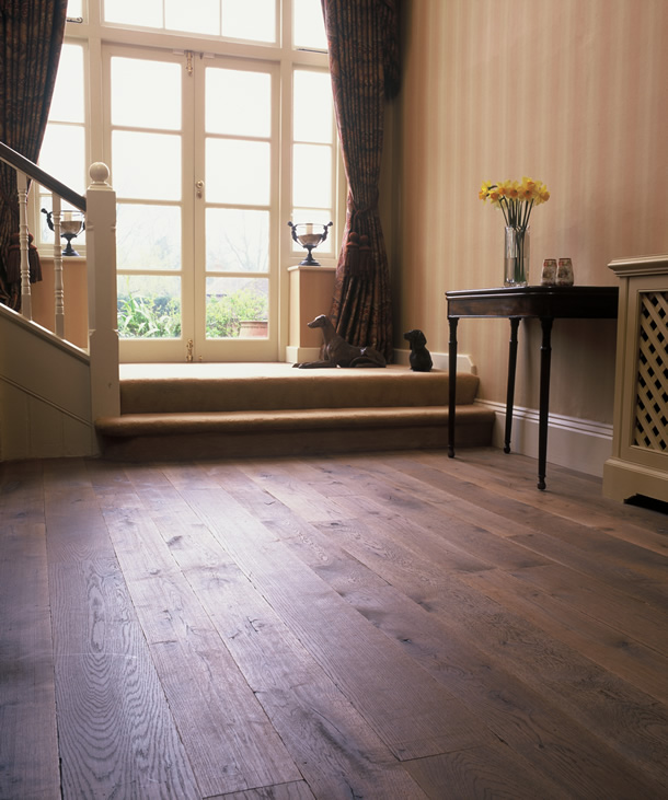 01 Puro antico aged oak planks for a house in Guildford, Surrey