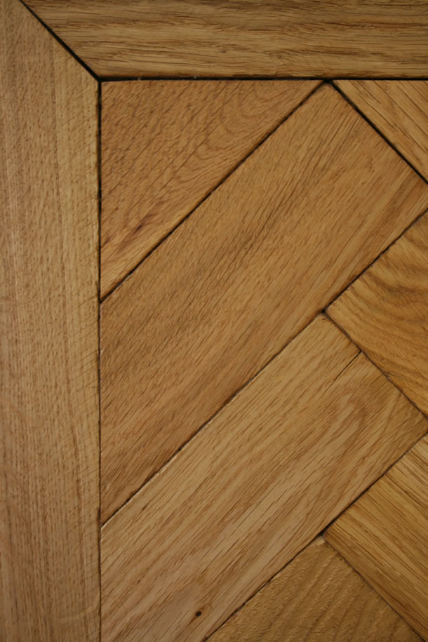 02 Herringbone Distressed Natural